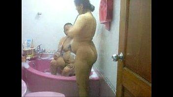 desi aunty in the bath